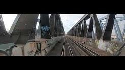 Einar rafft die Zeit: Mit dem Zug nach Hamburg rein