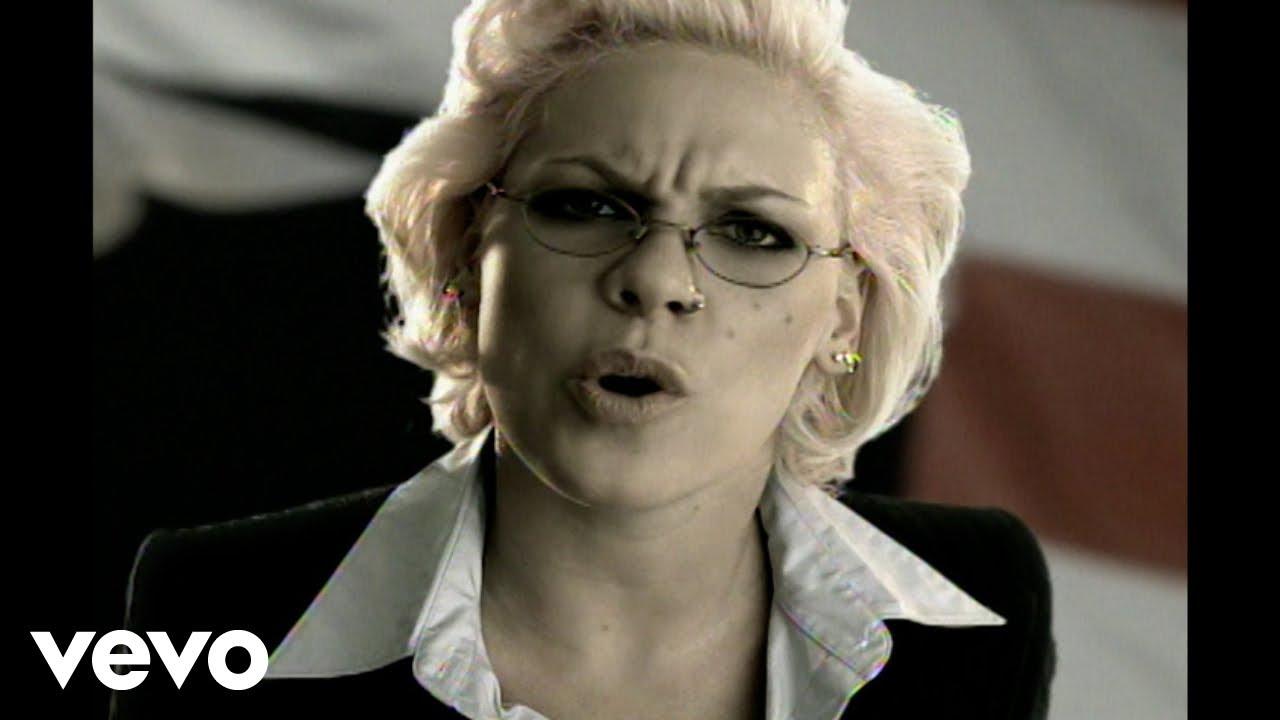 pnk-stupid-girls-pinkvevo-1473502463