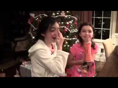 Girl Cries When She Gets an iPhone 5c for Christmas