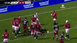 Amazing try saving tackle by Toby Faletau