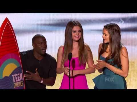 All Singing 'Happy Birthday' to Selena Gomez on Teen Choice Awards 2012