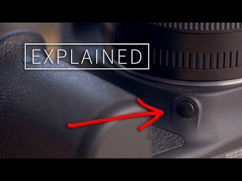 How the Depth of Field Preview Button on a DSLR Works