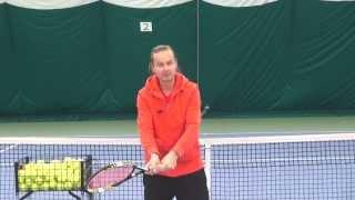 Теннис. А. Меринов. Ошибки при удара слева.