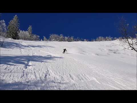 Skiing at Norefjell