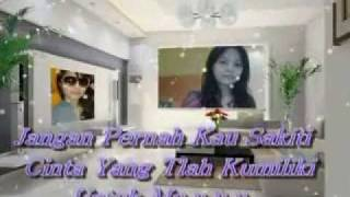 Download lagu Pujaan Hati Five Minutes (with Lyric).flv