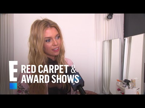 How does Stella Maxwell Prepare For the VS Fashion Show? | E! Red Carpet & Award Shows