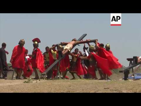 Crucifixion of Jesus re-enacted in Philippines