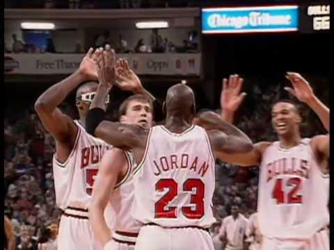 715991476cfb 1992 NBA Finals Game 1 - Portland Trial Blazers vs Chicago Bulls ...