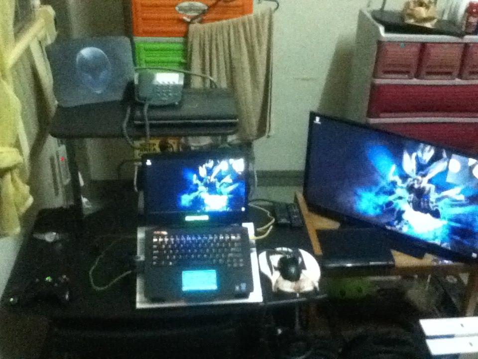 Gaming Laptop Setup 2015 / Quick Tour Crib - YouTube