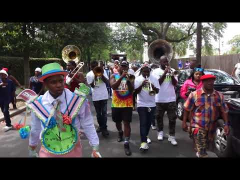 Fathers Day Second Line 2018 St Charles Ave New Orleans