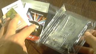 Распаковка диска Transcend SSD370S 64GB(Подробнее о товаре: http://hard.rozetka.com.ua/transcend_ts64gssd370s/p3174750 Упакован диск в прозрачный пластик и картонную коробку..., 2015-11-09T15:48:06.000Z)