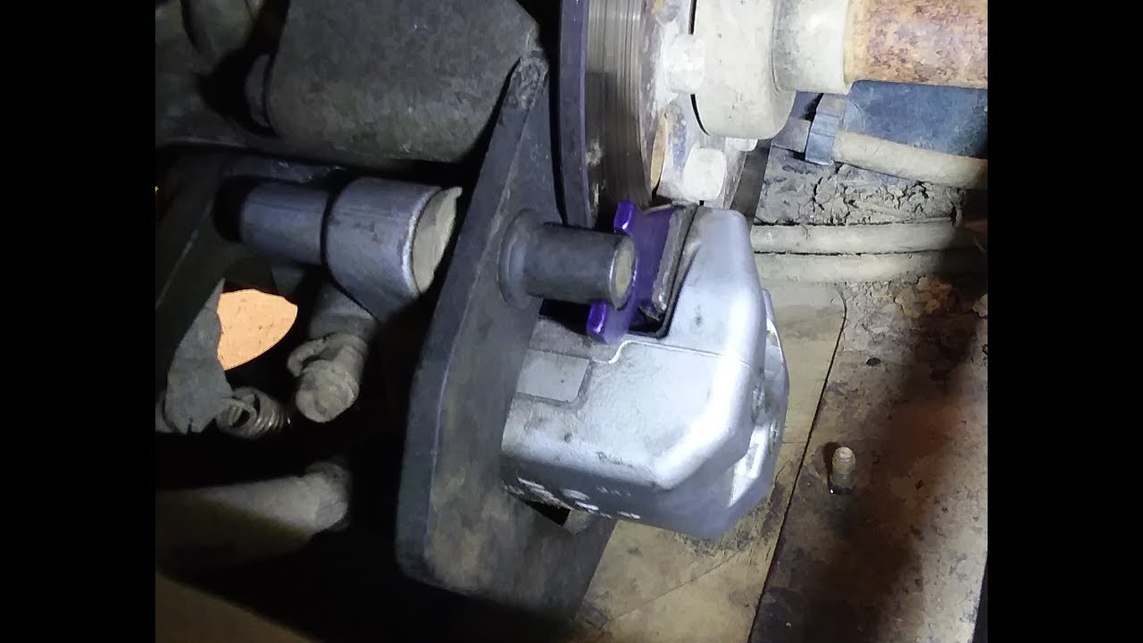 hight resolution of how to change brake pads on a 2006 yamaha rhino 660
