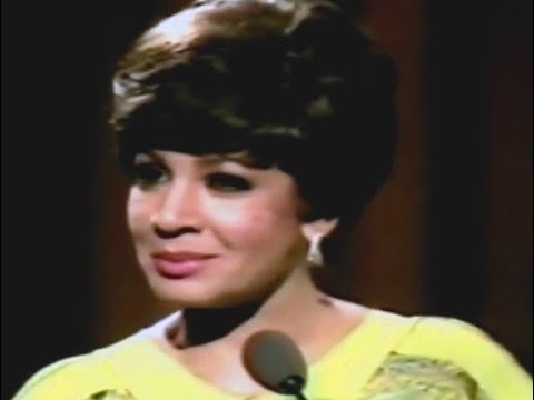 Shirley Bassey - You Take My Heart Away (Theme From Rocky) / Amore Amore My Love (1979 Show #3)