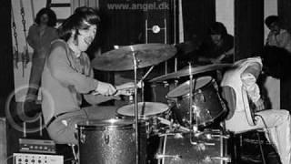 Led Zeppelin - Communication Breakdown & American Woman - Bootleg