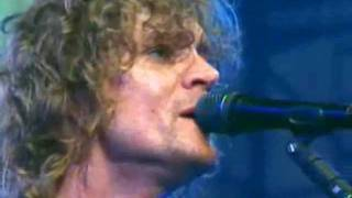 The Raconteurs - Attention (Live at the KROQ Weenie Roast 2008)