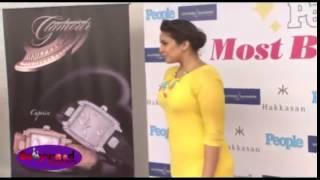 Huma Qureshi   boob show
