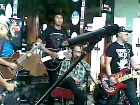PAS band - Malam Tetaplah Malam  (Akustik) Live at Radio Show TvOne.mp4