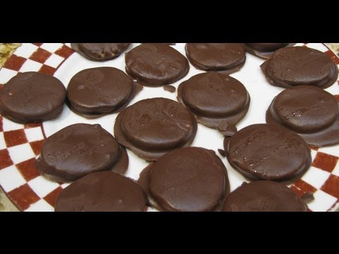 peppermint-patties/easy-home-made-candy-recipe-/-cheryls-home-cooking