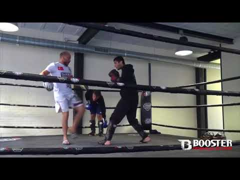 Mohamed ''Mootje Hamicha'' Mezouari | Redouan Daoudi | training at Elotmani gym Amsterdam