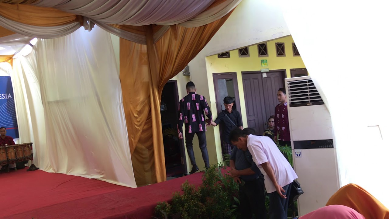 "Ai_Ai Dancer Medan Show ""Peresmian Bantuan PSBI Mesin Batik Kelowong Kelompok Batik Harmoni"""