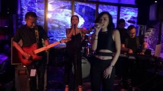 Rinni Wulandari performs Bebas @ Music Matters