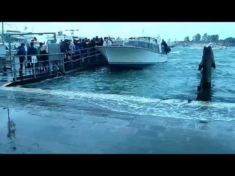 Venice sea levels rising fast!!! (footage taken at pier on St. Mark's Square May 2013)