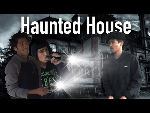 Exploring an Abandoned House!!!