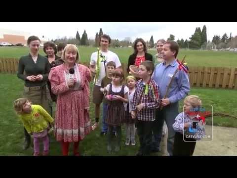 Czech Easter Traditions - (Czech-American TV)