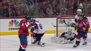 Ovechkin makes history with 30th goal