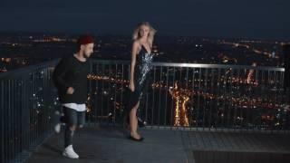 Дима Монатик учит Ясмину Муратович танцевать