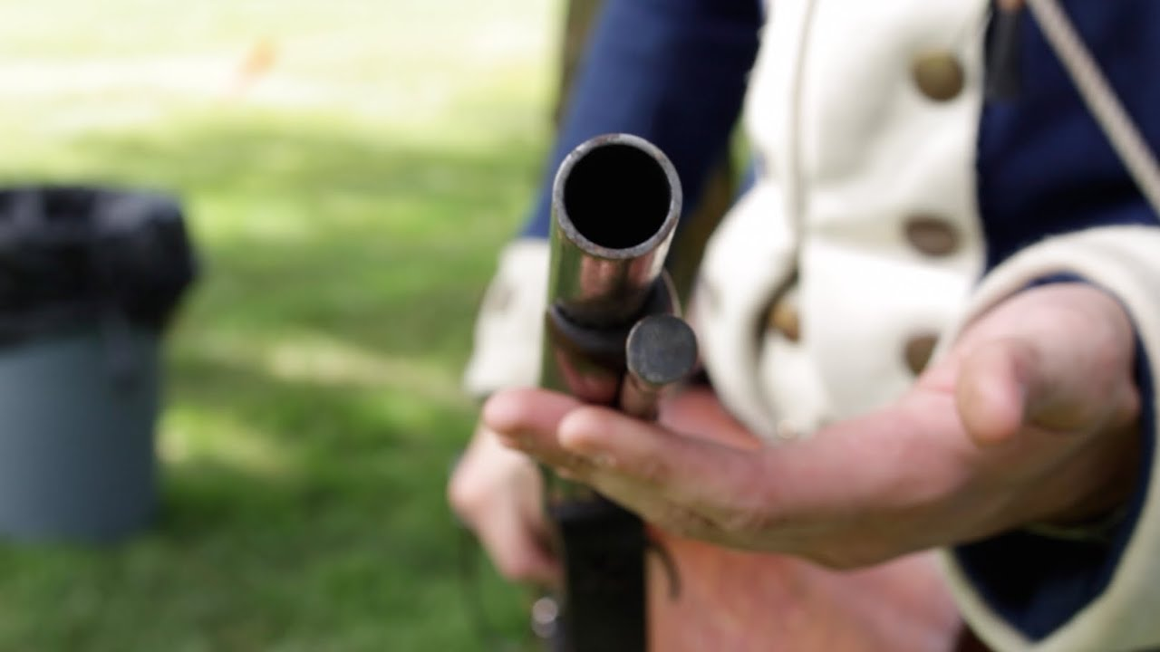 The difference between Muskets and Rifles during the revolutionary war
