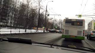 Смотреть видео Авария 03.12.18 в 9.30 пересечение Амурской и Уральской г. Москва онлайн
