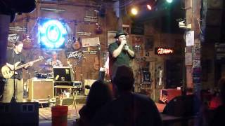 Brandon Santini & His Band - Better Cut That Out  live @ Ground Zero Blues Club, Clarksdale