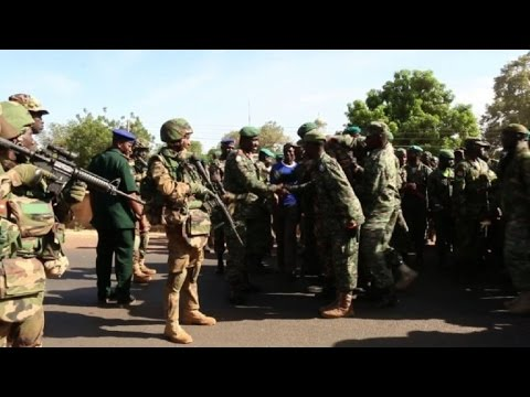 Senegal soldiers welcomed in Gambia