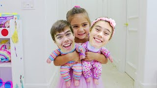 Nastya found a doll and pretends to be a parent وجدت ناستيا دمية وتتظاهر بأنها والد