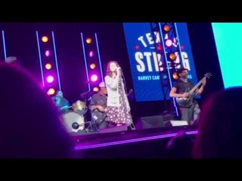 Edie Brickell Circle - LIVE - Austin Texas 9/22/2017