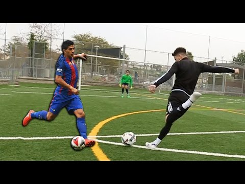 LUIS SUAREZ TEACHES HOW TO ALWAYS SCORE 1V1 vs GOALKEEPER!