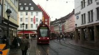ドイツ・フライブルグ市のトラム交差点