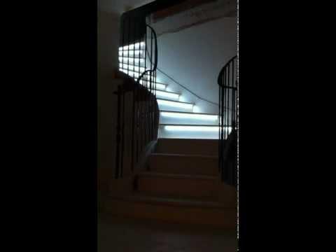 clairage led escalier doovi. Black Bedroom Furniture Sets. Home Design Ideas