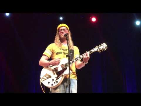 Allen Stone - Sex and Candy, solo Lihue Hawaii 2/20/17