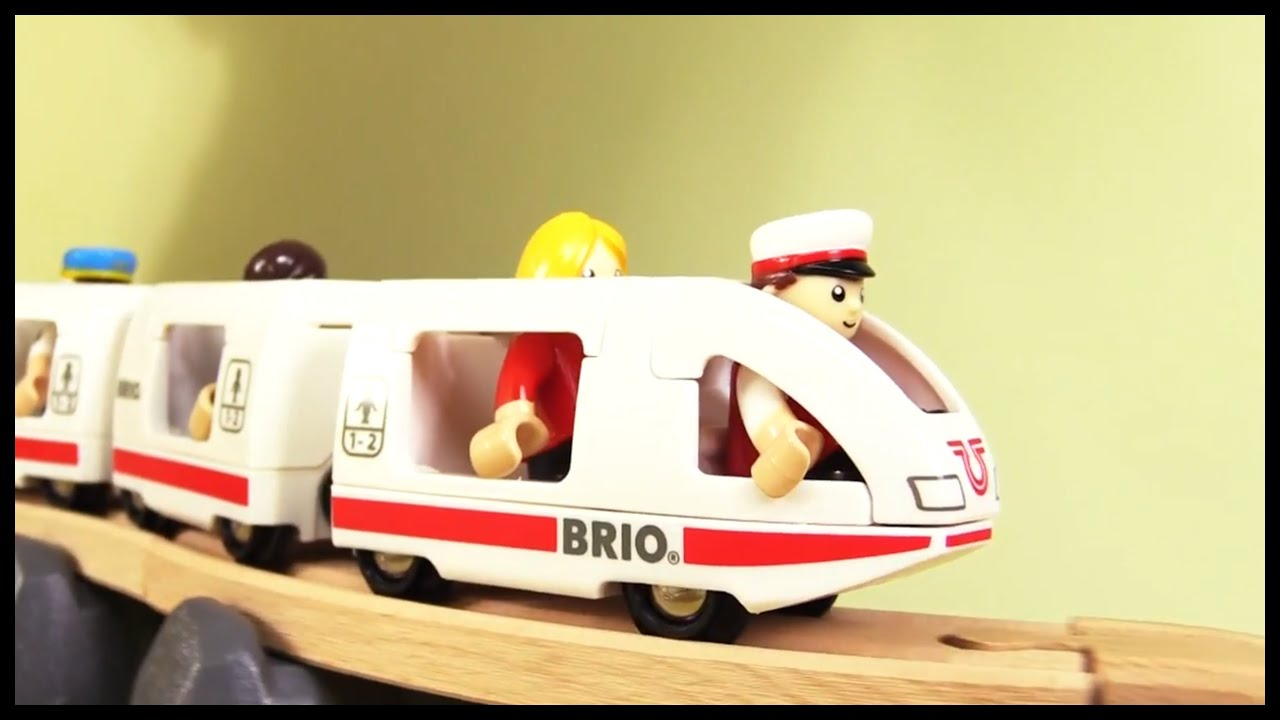 Kids Toy Train Review Demo BRIO City High Quality Build & Play