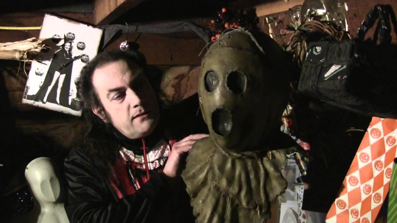 Mask Fan Attic Dark Night Of The Scarecrow Youtube