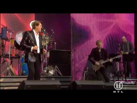 Bryan Ferry Slave To Love Live @ Concert For Diana