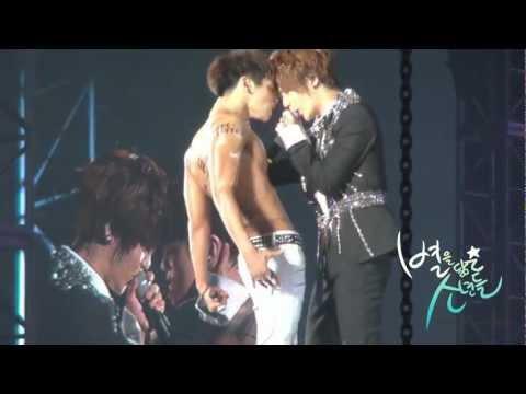 Download 120722 SHINee World Concert 2 in Seoul(jonghyun & taemin)