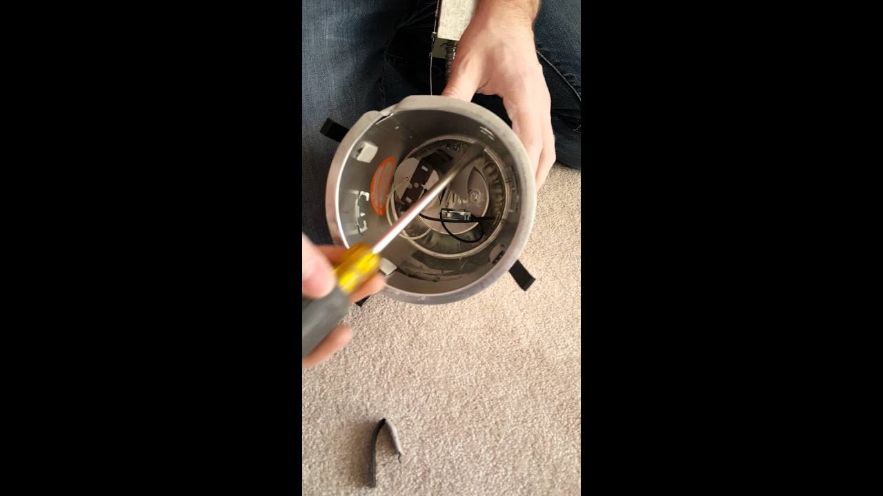 Halo Recessed Can Light Installation Tip - YouTube