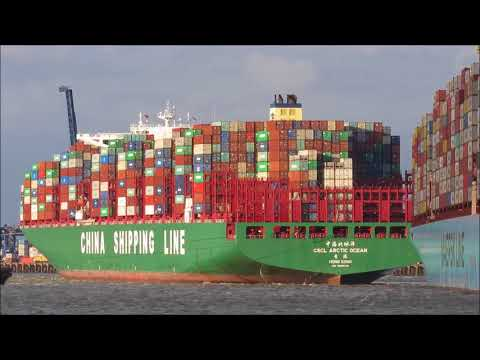 CSCL Arctic Ocean swings off Felixstowe Berth 8 in a force 7
