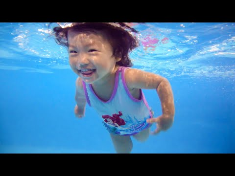2 Years Old Baby Swimming Like A Dolphin – Happy Fish Laura