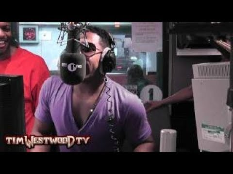 Bobby V Does the do it for the Pu**y/D**k challenge - 동영상