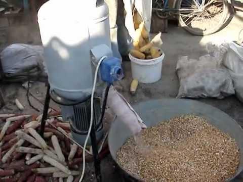 Лущільник кукурудзних качанів