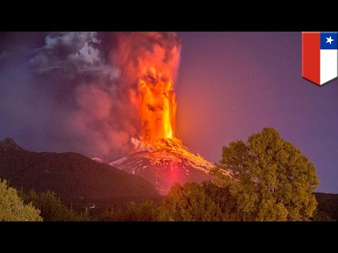 Massive volcano eruption: Chile's Volcano Villarrica spews lava and ash 1,000 meters into the air